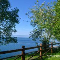 Байкал — самое глубокое озеро в мире и водная жемчужина России