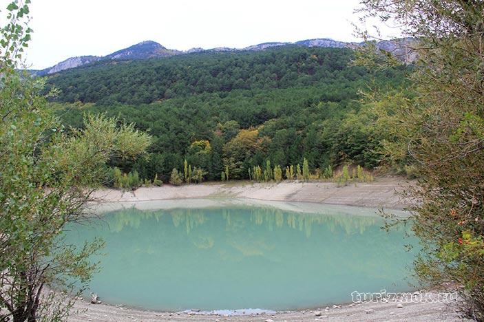 Бирюзовое озеро фото