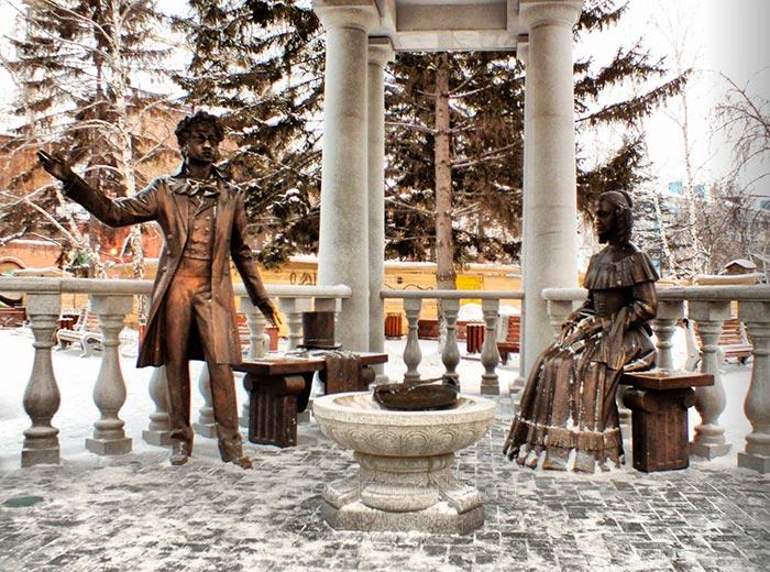 Беседка со скульптурной композицией Пушкин и Натали