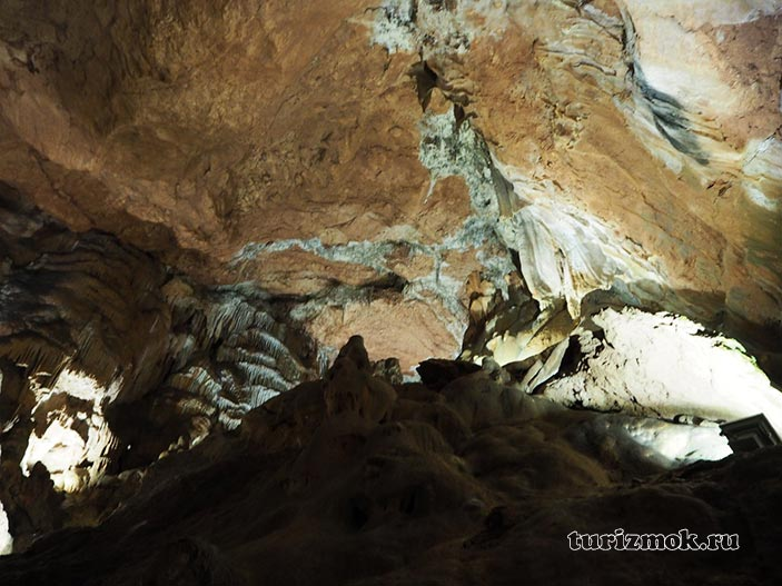 Скельская сталактитовая пещера в Понизовке